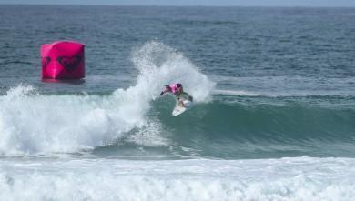 News Surf Roxy Pro France 2016 : Johanne Defay qualifiée pour le 3ème tour